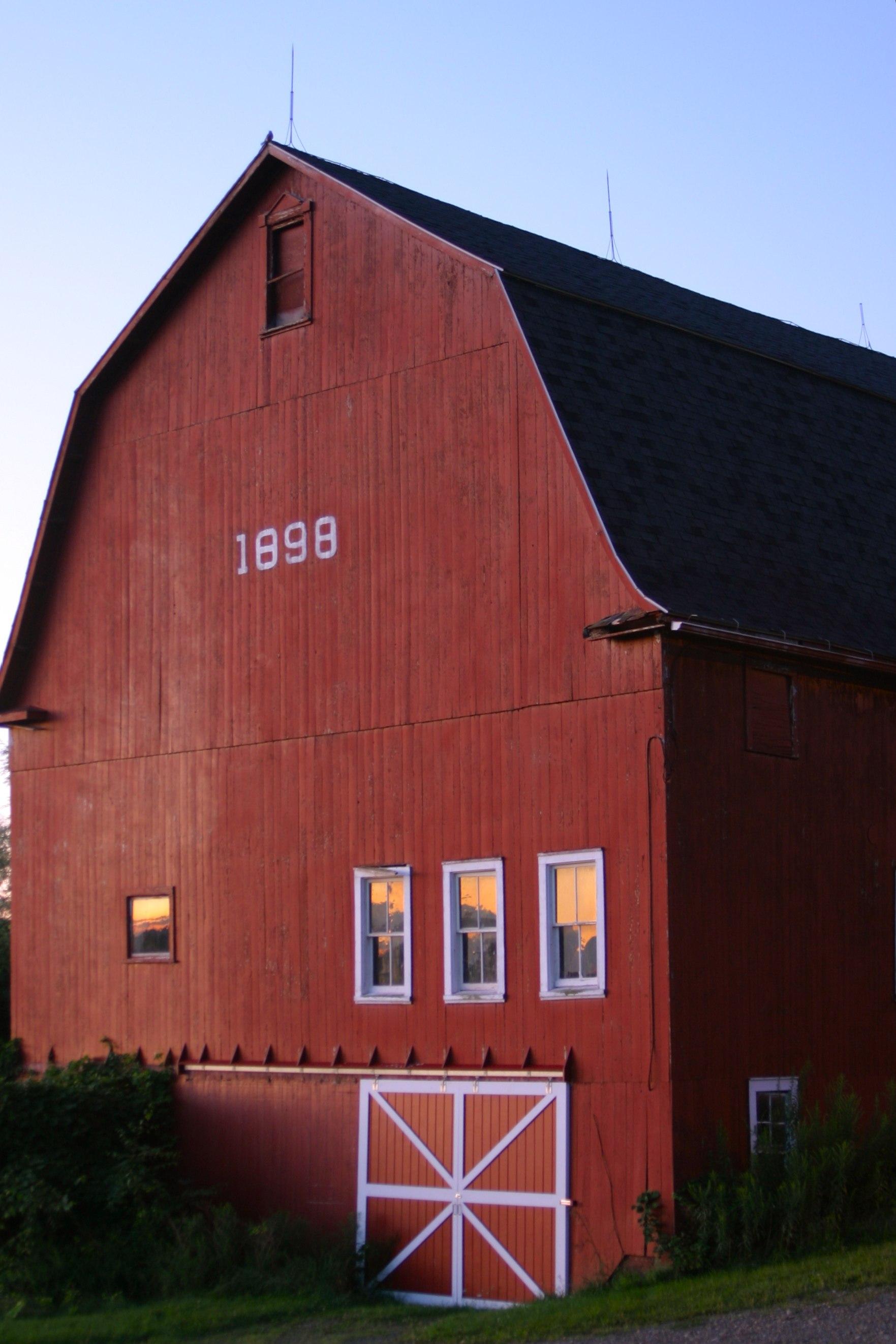 1898 Barn